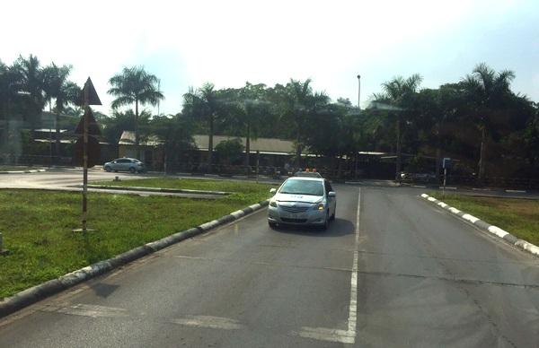 học lái xe số tự động hạng B1 tại Hà Nội