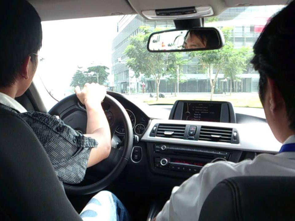 hướng dẫn học lái xe ô tô b2