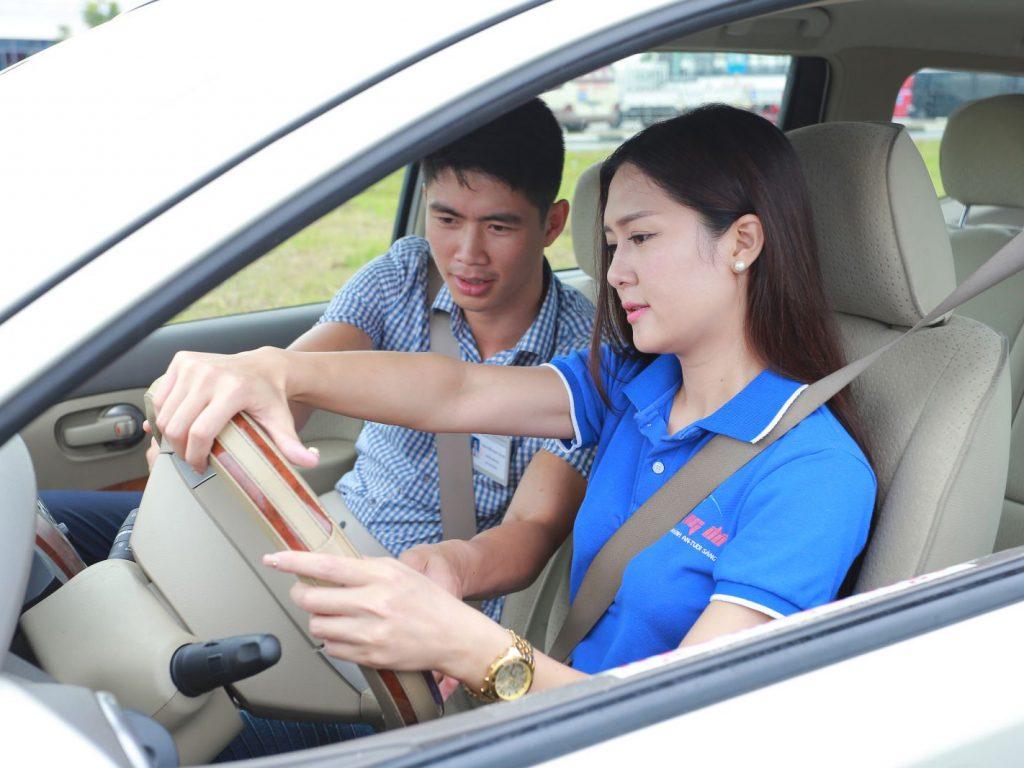 mẹo học lái xe b2 giá rẻ tại Hà Nội
